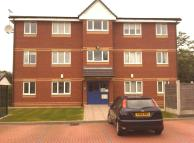Apartment to rent in Flat 8 Redwood Close...