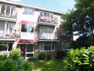 Flat to rent in Cliffe Court, Rugby Road...