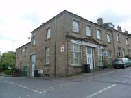 1 bedroom Flat in Thornhill Road, Rastrick...