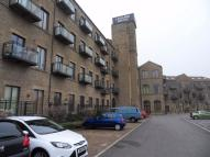 1 bed Flat to rent in Ledgard Wharf, Mirfield...