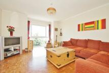 2 bedroom Flat to rent in Horniman Drive, London