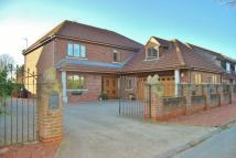 6 bedroom Detached house in Carr Lane, Weel