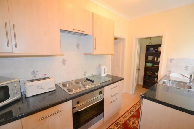 DSC_1989_kitchen.jpg