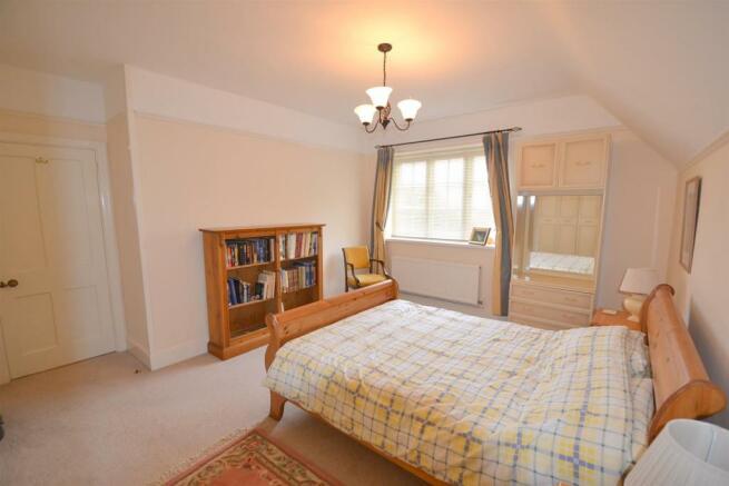 DSC_2028_bedroom two.jpg