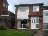 3 bed semi detached house in Barnfield Road, Hyde...