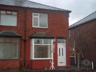 2 bedroom semi detached house to rent in Barn Grove