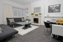 Ground Flat to rent in Elm Park Court, Pinner