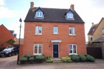 5 bed Detached house in Pollards Way...