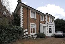 2 bedroom Ground Flat in FREELANDS ROAD, Bromley...