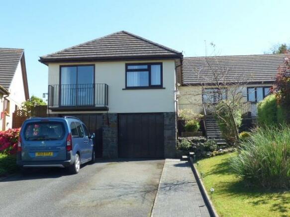 4 Bedroom Bungalow For Sale In Dol Y Dderwen Llangain Carmarthen
