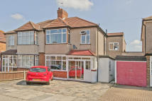 4 bedroom semi detached house for sale in Cadwallon Road...