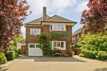 4 bedroom Detached property in Grove Park Road...