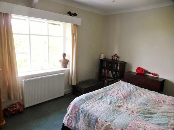 4 bed2.jpg