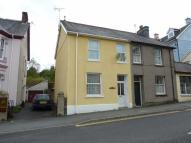 3 bed semi detached house in New Road, Llandeilo