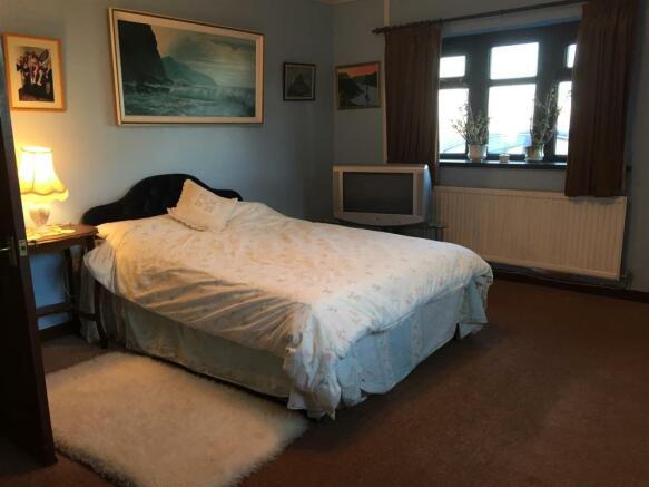 Bedroom 4 IMG_4356.jpg