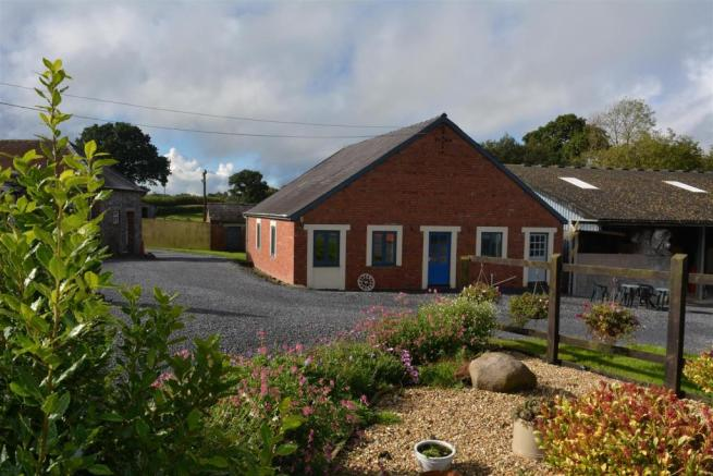 THE DETACHED BARN CONVERSION