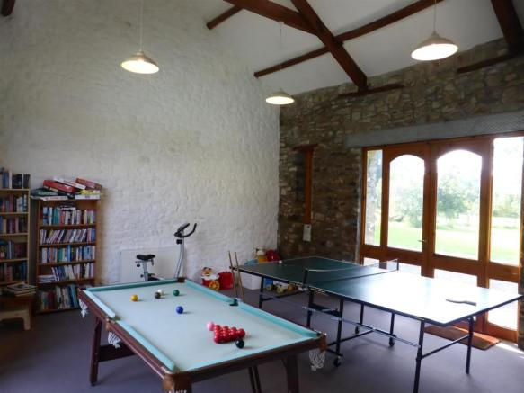 FUNCTION/GAMES ROOM