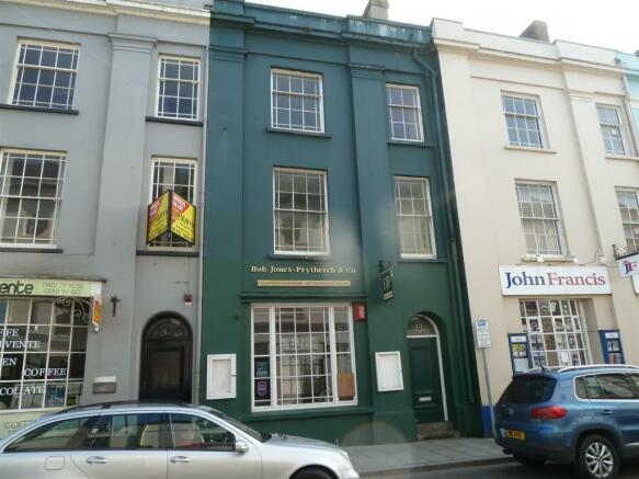 13 Victoria Place