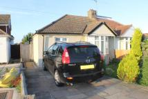 2 bed Semi-Detached Bungalow in Somerden Road, Orpington