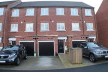 Town House to rent in Ravensdene, Chislehurst