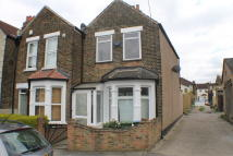 End of Terrace property to rent in Reventlow Road...