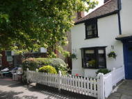 1 bedroom Cottage in 102 HIGH STREET, EPPING...