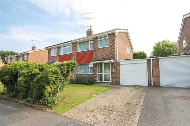 3 Bedroom Semi Detached House For Sale In Home Park Road Yateley