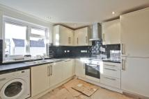 3 bedroom Flat to rent in Woolwich Road, Charlton