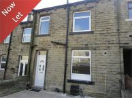 1 bedroom Terraced house in Royd Street, Slaithwaite...