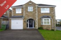4 bedroom Detached home to rent in Helston Grove, Honley...