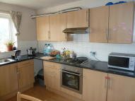 Maisonette to rent in Rayners Lane