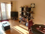 Flat to rent in Wembley
