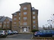 3 bed Apartment in Sandling Way...