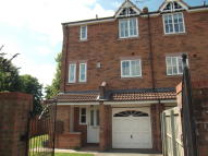 3 bed semi detached home to rent in Bailey Bridge Close...
