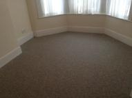 Lyndhurst Road Flat to rent