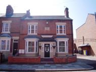 1 bed Ground Flat in Knighton Fields Road...