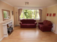 Flat to rent in Stoughton Road, Oadby...