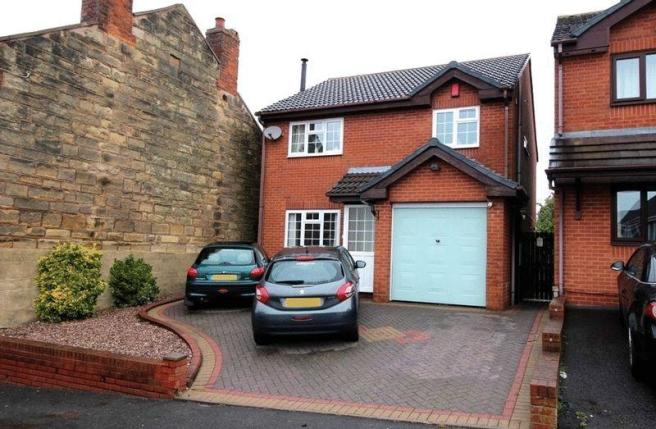 3 bedroom detached house for sale in hill street upper