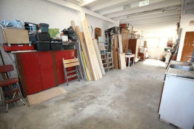 36ft Garage/St...
