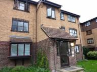2 bedroom Flat to rent in Grays