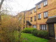 Flat to rent in Frankswood Avenue...