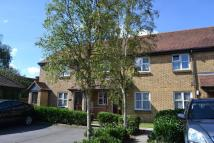 Ground Flat to rent in Meadowlea Close...