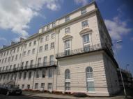 2 bed Flat for sale in Prince Of Wales...