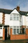 2 bed Ground Flat to rent in Winchester Avenue...