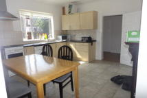3 bedroom property to rent in Oakenshaw Street...