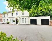 8 bedroom Detached home in Chad Road, Edgbaston