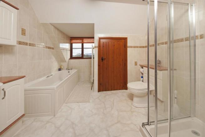 BATHROOM NEW 2.jpg