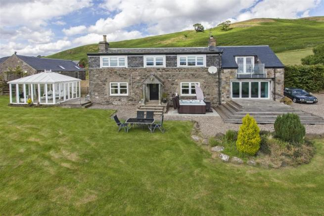 4 bedroom detached house for sale in shenval farmhouse little glenshee bankfoot perth ph1