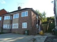 Maisonette to rent in Gainsford Road...