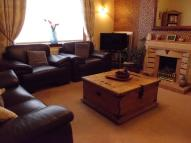 2 bed semi detached property in Woodwynd, Kilwinning...
